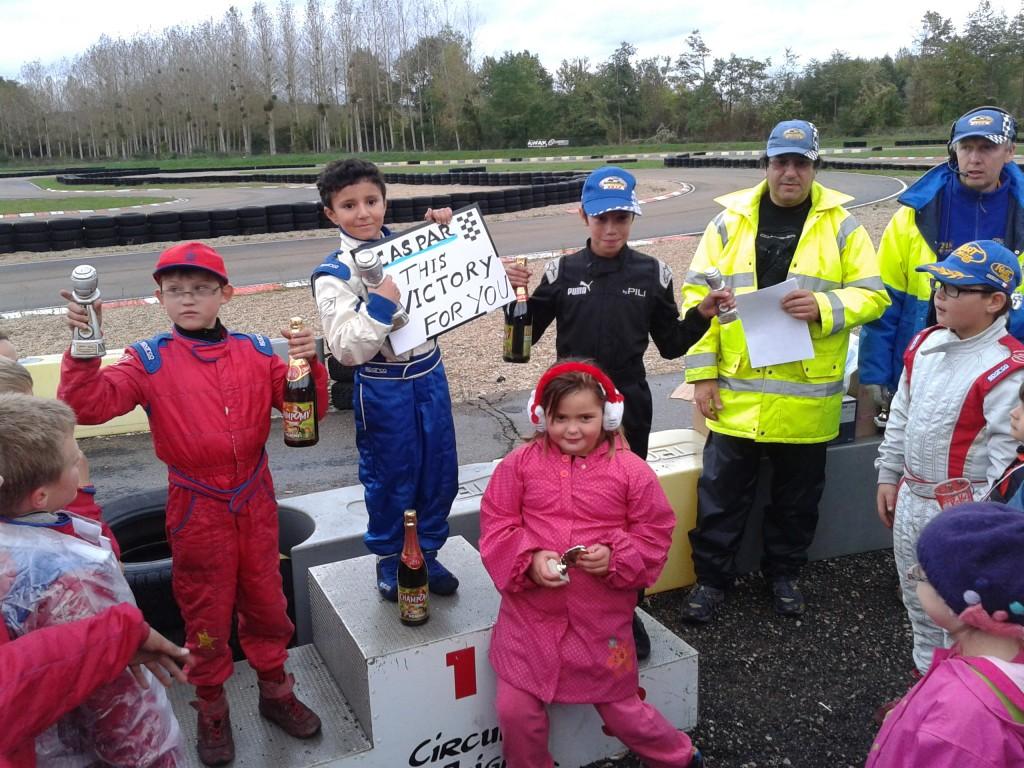 2ème Course d'Isack et 2ème victoire à Joigny 13/10/2012 entouré de ses Potes Mathys et Jessy